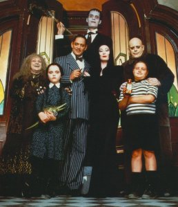 The-Addams-Family-Values-addams-family-5616504-594-690